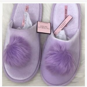 SMALL/5-6 PURPLE VICTORIA SECRETS POM POM SLIPPER